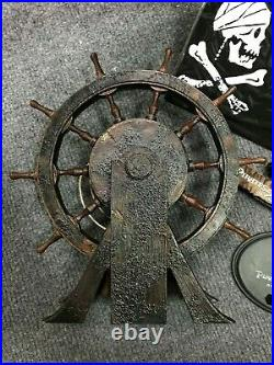 1/6 Hot Toys DX06 Pirates Of The Caribbean Jack Sparrow Rudder with Base & Stand
