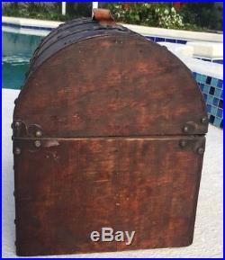 Authentic Disney World Pirates Of The Caribbean Barrel Treasure Chest Prop