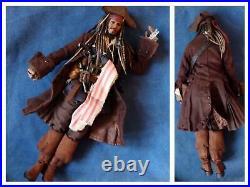 Hot Toys Captain Jack Sparrow Pirates Of The Caribbean Action Figure 1/6 DX 06