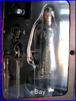 Hot Toys Pirates of the Caribbean Elizabeth Swann 1/6th Scale 12 Action Figure