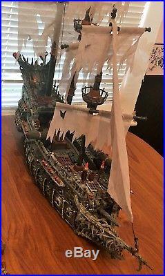 Mega Bloks Pirates of the Caribbean 1029 & 1017 Flying Dutchman & Black Pearl