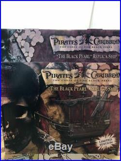 Neca Pirates Of The Caribbean Black pearl Figure Statue Disney rare Jack Sparrow