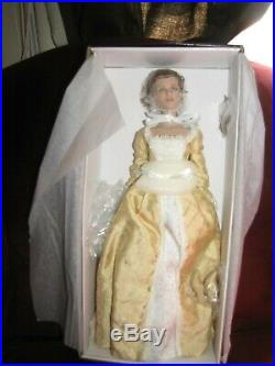 Robert Tonner Pirates of the Caribbean Elizabeth Swann Court Gown Doll