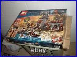 SEALED Vintage LEGO 746 pcs Pirates of the Caribbean Whitecap Bay 4194 Free SHIP