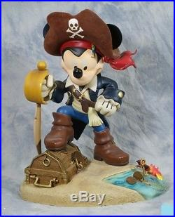 Walt Disney Big Mickey Mouse Pirates of the Caribbean LE of 120 Figurine Statue